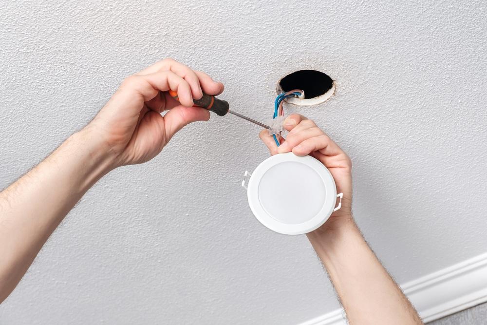 How Do I Change A Ceiling Light Socket